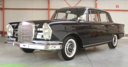 Mercedes-Benz Type W111 220 S