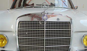 Mercedes-Benz 280 SE Type W108 2.8l plein
